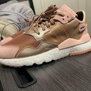 adidas nite jogger rosa gold